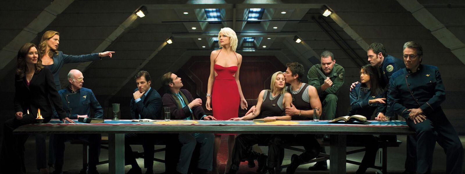 Aunque Battlestar Galactica tuvo su primera versión en 1978, fue esta, iniciada en 2004, la que me cautivó.